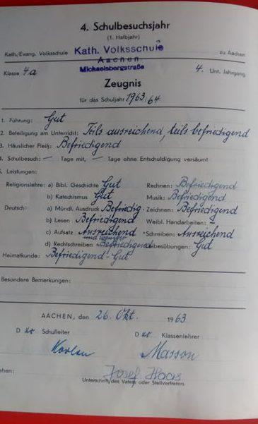 Mit Herrn Masson unternahm die Klasse auch einen Schulausflug: Zu Fuß nach Kornelimünster, Besichtigung des Münsters, zu Fuß wieder nach Aachen zurück! Das waren locker 11 km je Strecke!